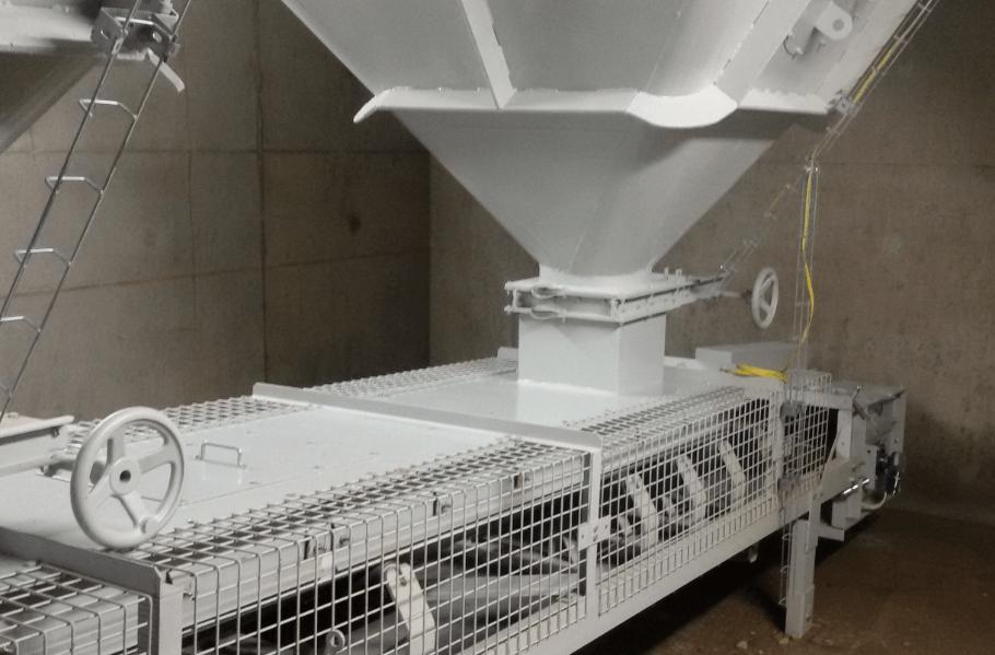 Manutention produits fragiles transporteurs à bande, élévateurs à godets